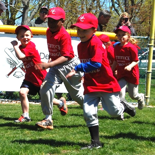 Mattituck-Cutchogue Little League players take the field at Laurel Park Saturday. (Credit: Cyndi Murray photos)