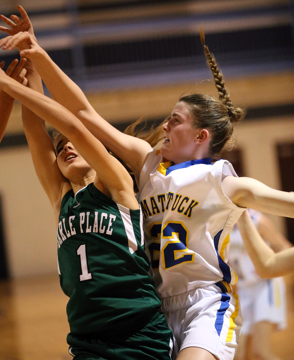 Corinne Reda fights for the ball. (Credit: Garret Meade)