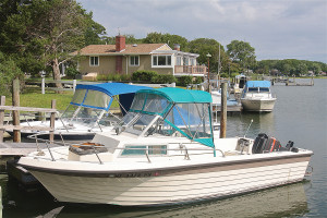 The neighborhood association has two marinas. (Photo: Barbaraellen Koch)