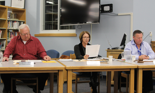 Mattituck Superintendent Anne Smith, center, with school board president Jerry Diffley, right, and trustee Jeff Smith on Thursday. (Credit: Jen Nuzzo)