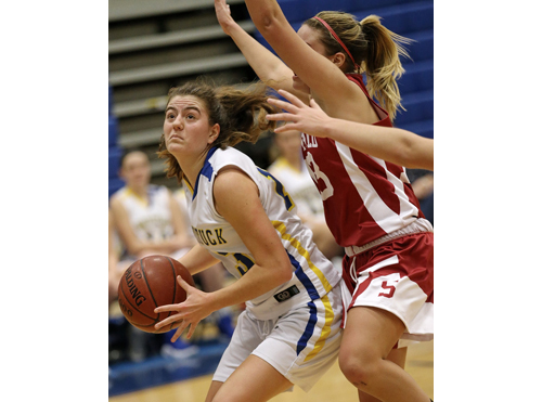 Mattituck basketball player Liz Dwyer 011717