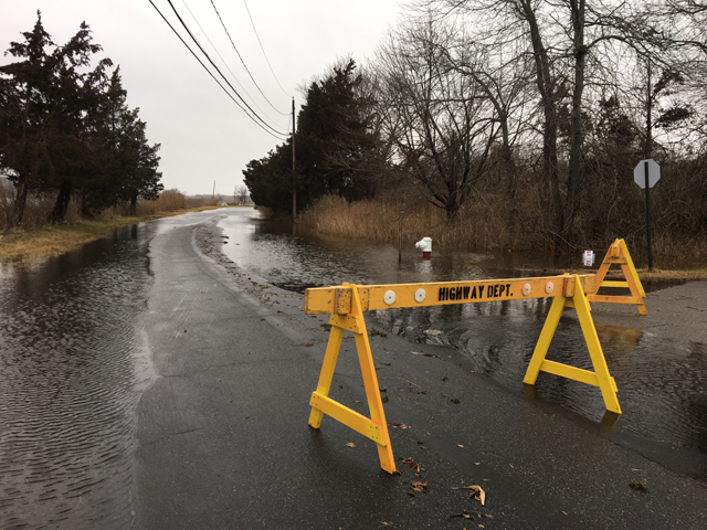 A road closure at Grathwohl Road and Fanning Road in New Suffolk Tuesday morning. (Credit: Kelly Zegers)