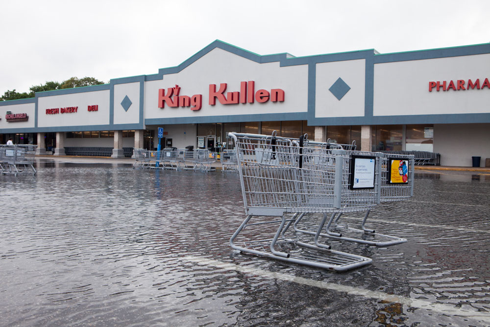 The King Kullen parking lot in Cutchogue. (Credit: Katharine Schroeder)