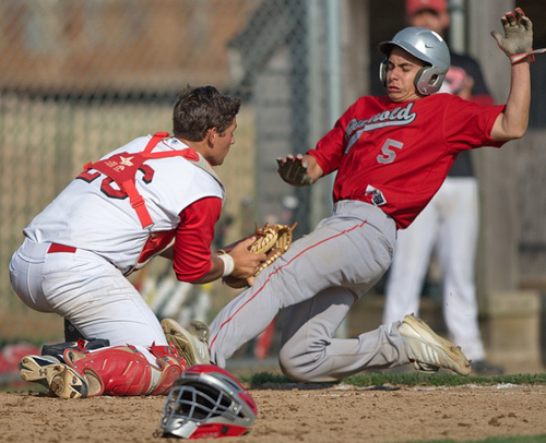 Southold headed to loser's bracket after win