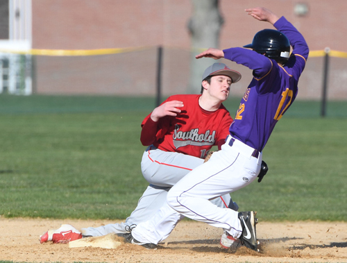 Southold baseball player Noah Mina 032916