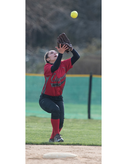 SoutholdGreenport-softball-player-Toni-Esposito-040116-1