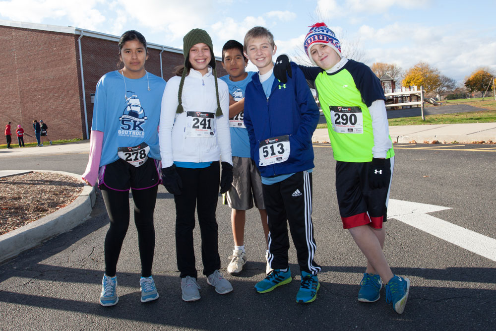 A group of Southold students before the race.