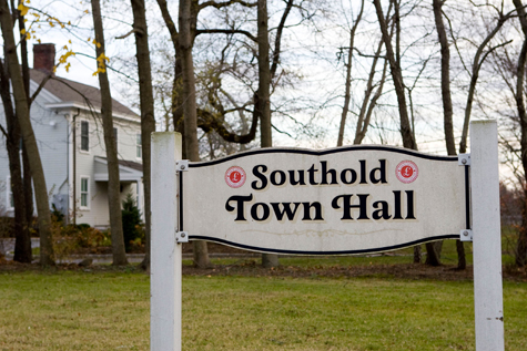 Southold_Town_Hall_Sign41511