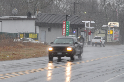 GRANT PARPAN PHOTO | A wintry mix began falling    on the North Fork about 9:30 a.m.