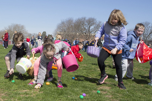 On the hunt for Easter eggs Saturday morning in Southold. (Credit: Katharine Schroeder)